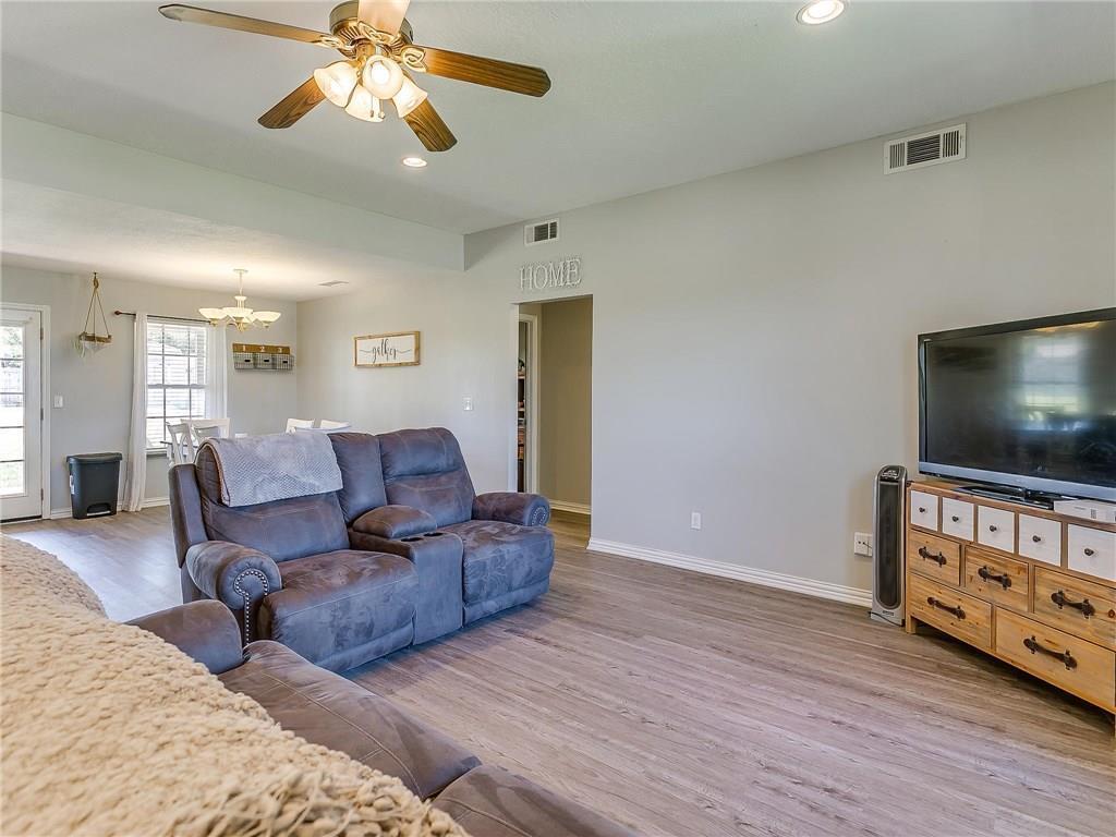 Sold Property | 1307 Shawnee Trail Granbury, TX 76048 7