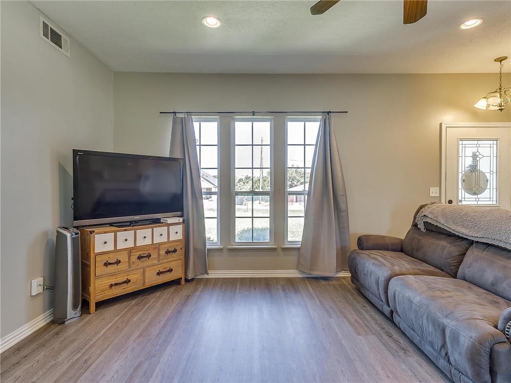Sold Property | 1307 Shawnee Trail Granbury, TX 76048 8
