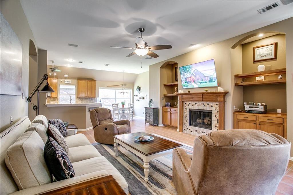 Active | 8833 Beartooth Drive Frisco, Texas 75036 3