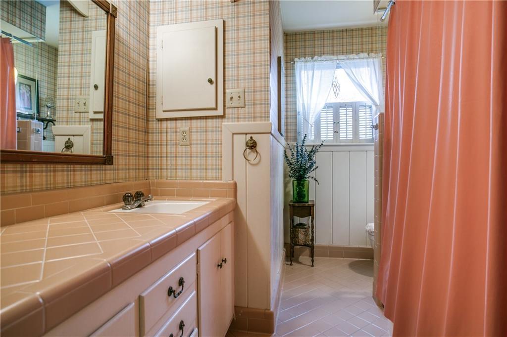 Sold Property | 11024 Snow White Drive Dallas, Texas 75229 18