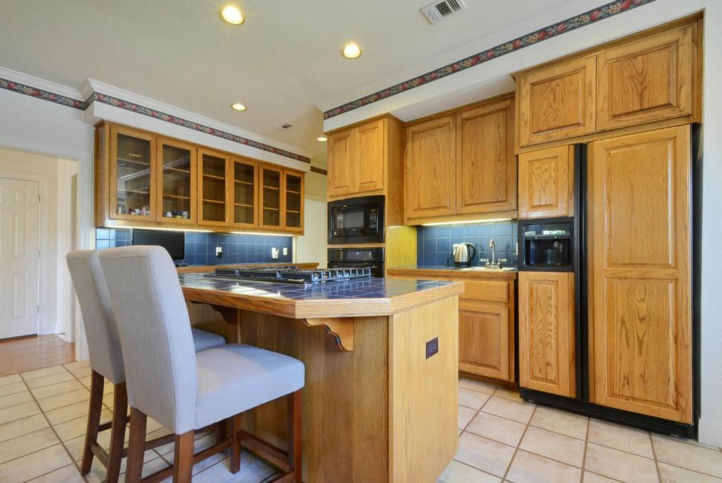 Sold Property   2 Autumn Oaks Place The Hills, TX 78738 13