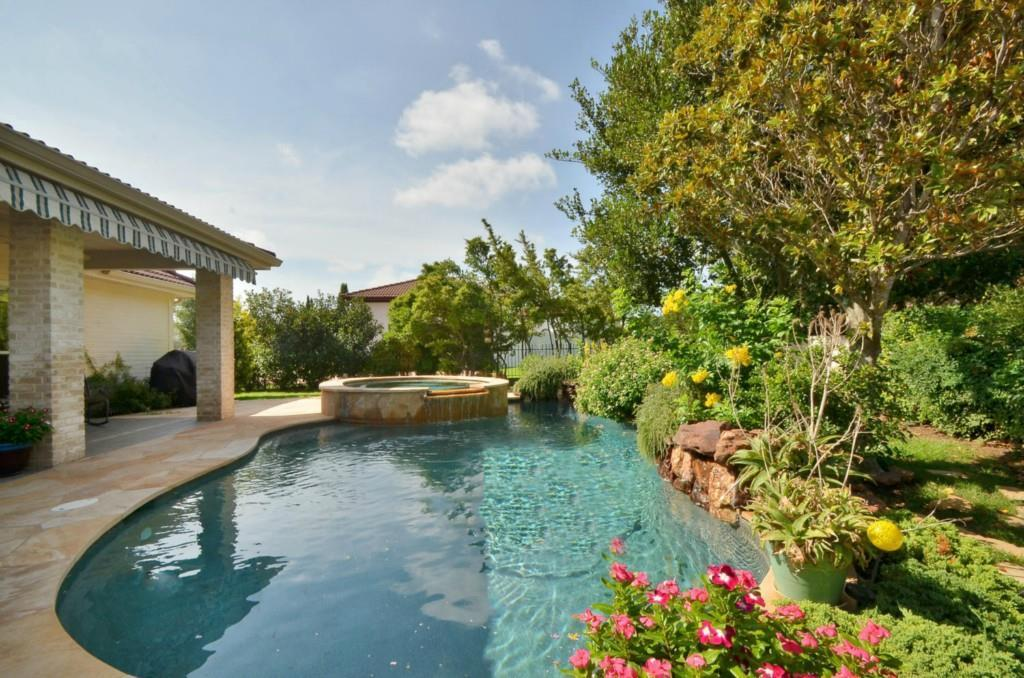 Sold Property   2 Autumn Oaks Place The Hills, TX 78738 20