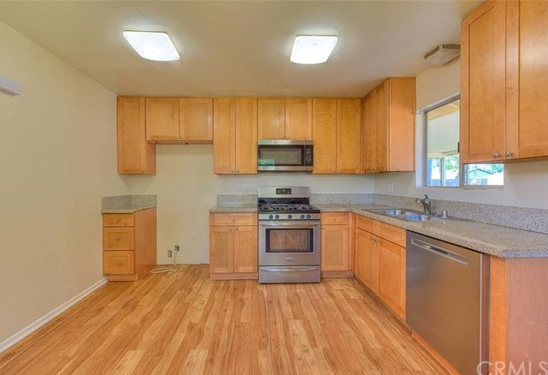 Closed | 9311 Sage Avenue Riverside, CA 92503 12