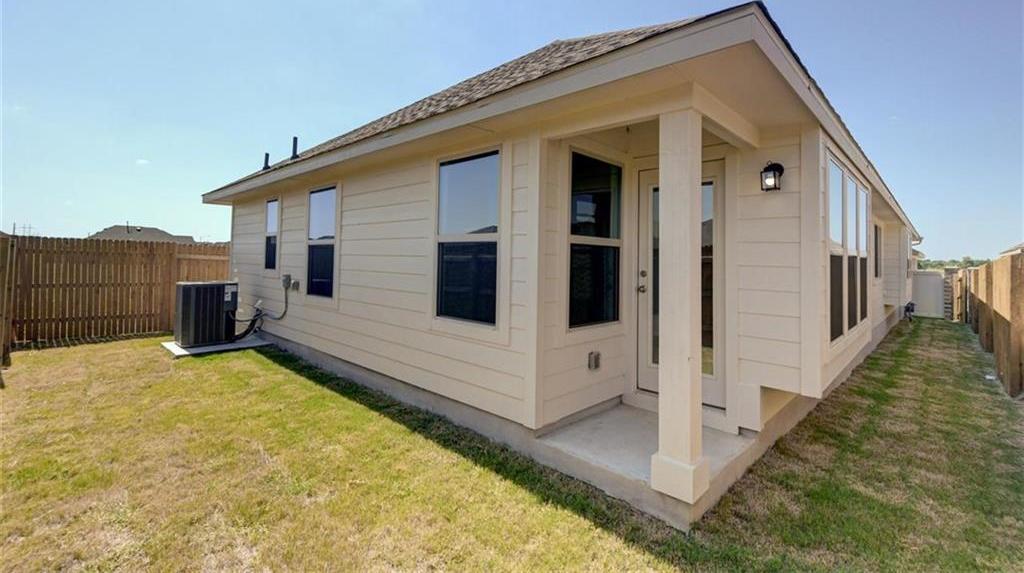 Pending   133 Trailstone Drive Bastrop, TX 78602 38