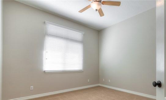 Closed   12927 Galewood Street Apple Valley, CA 92308 53