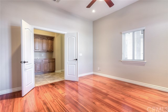 Closed   12927 Galewood Street Apple Valley, CA 92308 34
