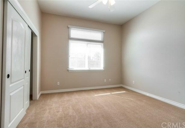 Closed   12927 Galewood Street Apple Valley, CA 92308 50