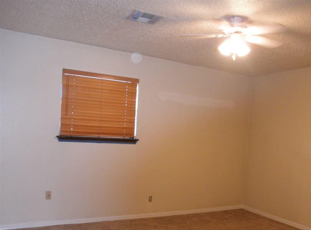 Sold Cross Sale W/ MLS   1525 W Broadway  Ponca City, OK 74601 15