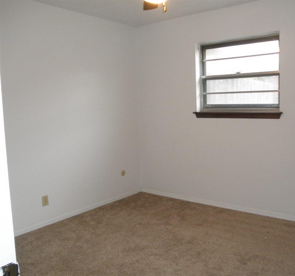 Sold Cross Sale W/ MLS   1525 W Broadway  Ponca City, OK 74601 17
