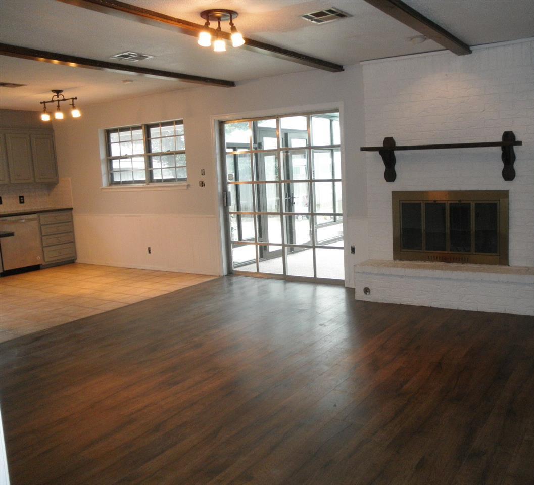 Sold Cross Sale W/ MLS   1525 W Broadway  Ponca City, OK 74601 5