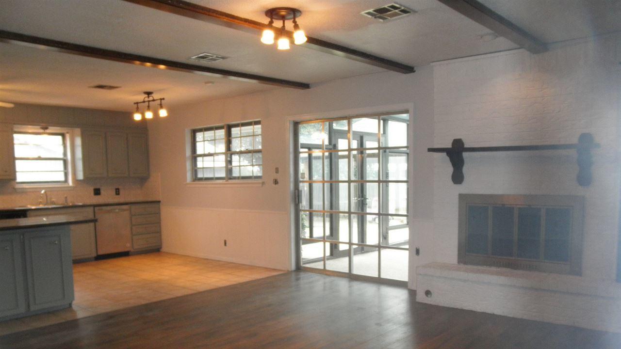 Sold Cross Sale W/ MLS   1525 W Broadway  Ponca City, OK 74601 6
