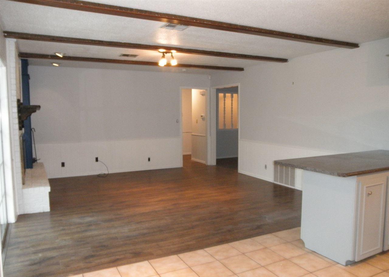 Sold Cross Sale W/ MLS   1525 W Broadway  Ponca City, OK 74601 9