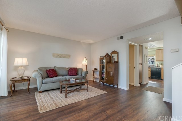 Closed | 26343 W Grove Circle Lake Forest, CA 92630 3