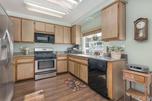 Closed | 26343 W Grove Circle Lake Forest, CA 92630 24