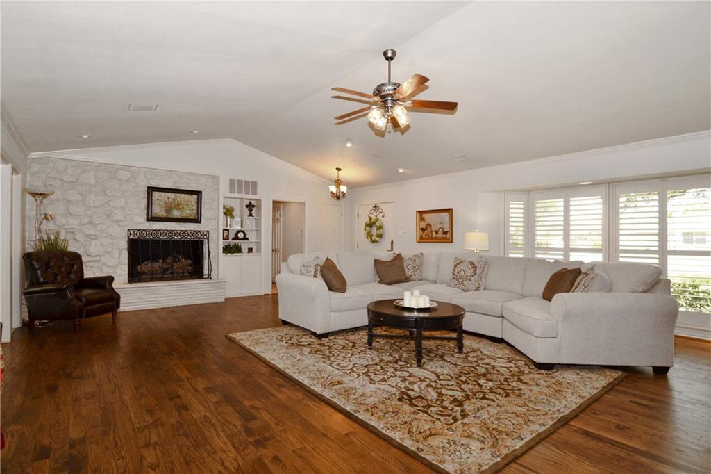 Sold Property   4040 GOODFELLOW Drive Dallas, Texas 75229 2