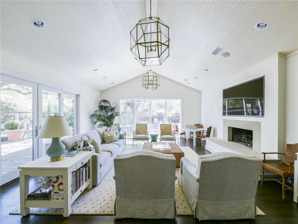 Sold Property | 6106 Meadow Road Dallas, Texas 75230 9