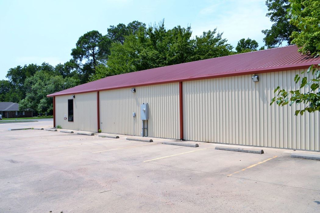 Active | 607 E Main Tishomingo, OK 73460 2