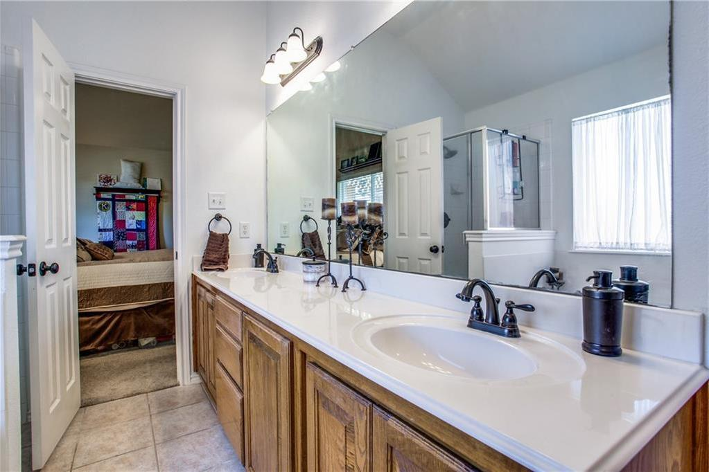 Sold Property   4405 Shady Elm Drive Mansfield, Texas 76063 16