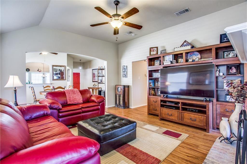 Sold Property   4405 Shady Elm Drive Mansfield, Texas 76063 8