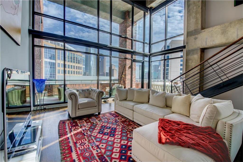 Sold Property | 1999 McKinney Avenue #2005 Dallas, Texas 75201 3