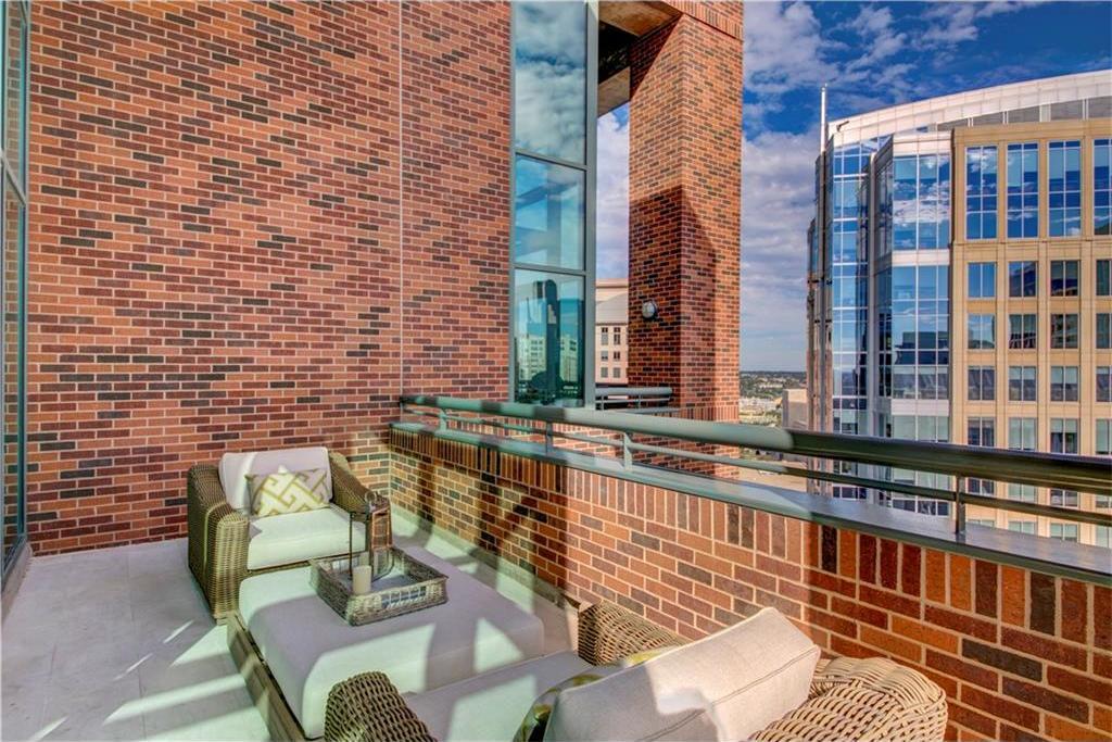 Sold Property | 1999 McKinney Avenue #2005 Dallas, Texas 75201 23
