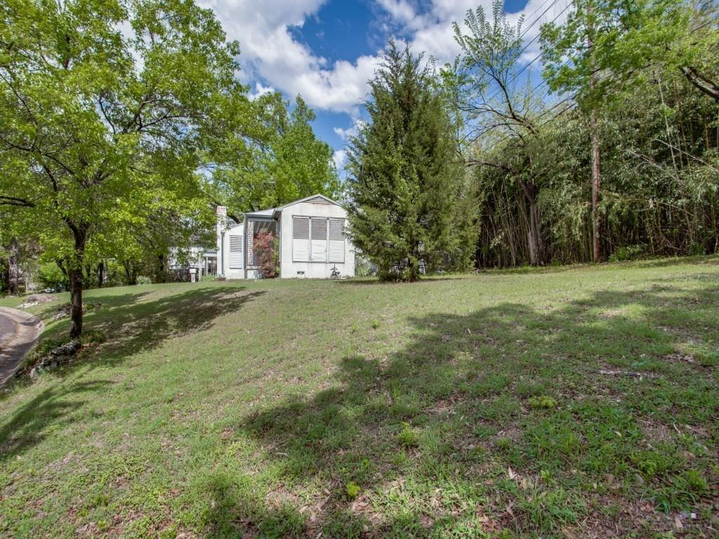 Sold Property | 4000 Stonebridge Drive Dallas, Texas 75204 2