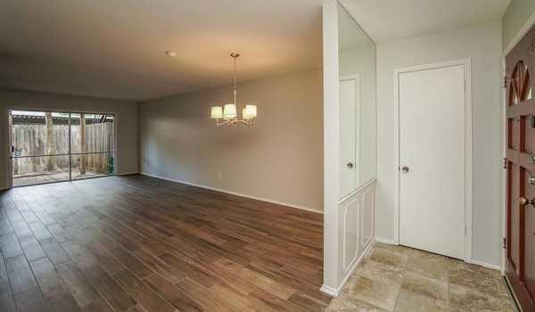 Property for Rent | 859 Wax Myrtle Lane Houston, Texas 77079 14