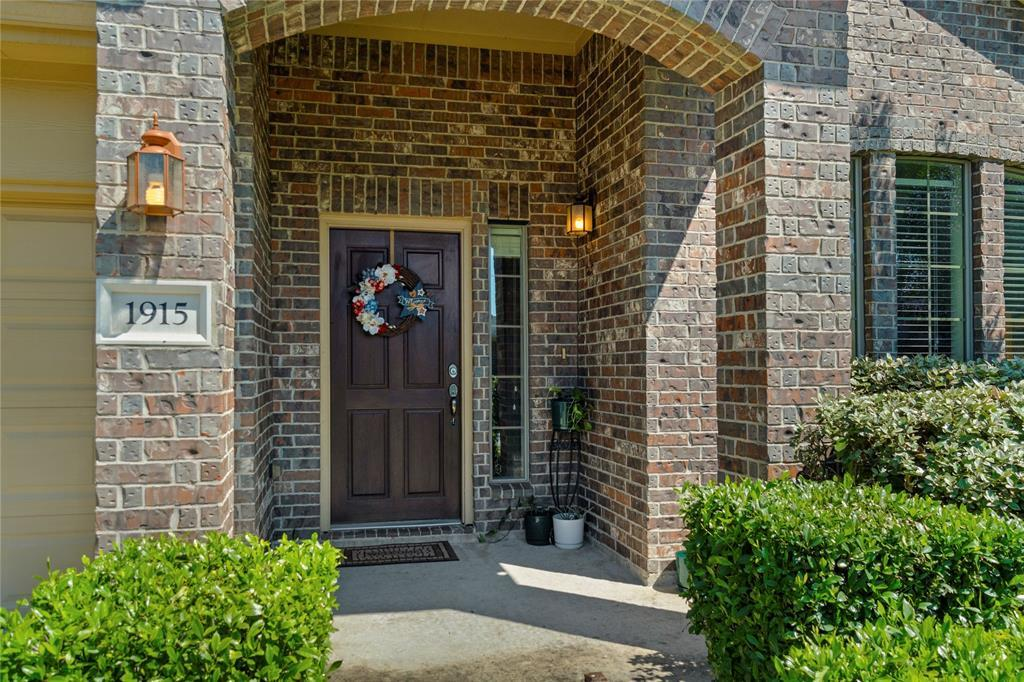 Off Market | 1915 Vale Brook Drive Spring, Texas 77373 2