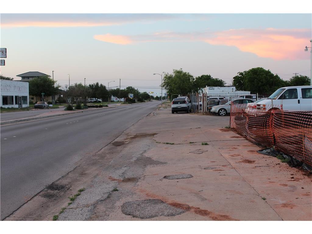 Active | 1001 Pine Street Abilene, TX 79601 2
