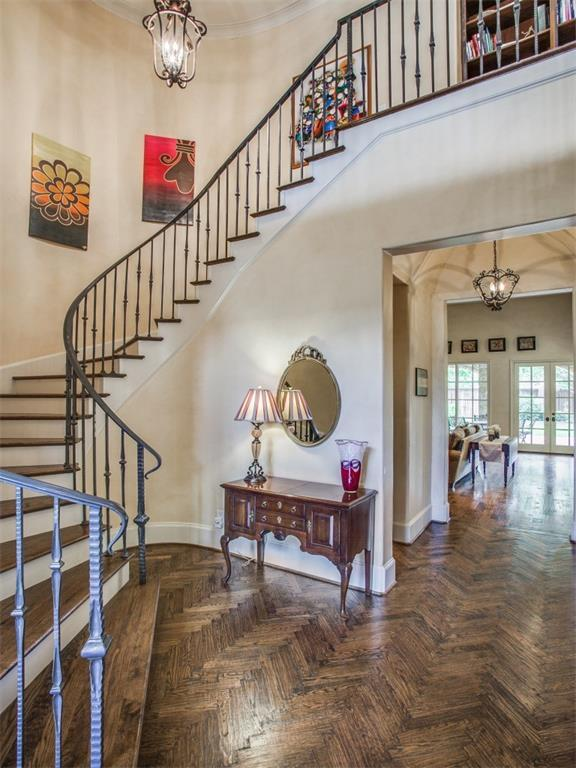 Sold Property | 6738 Stefani Drive Dallas, Texas 75225 4