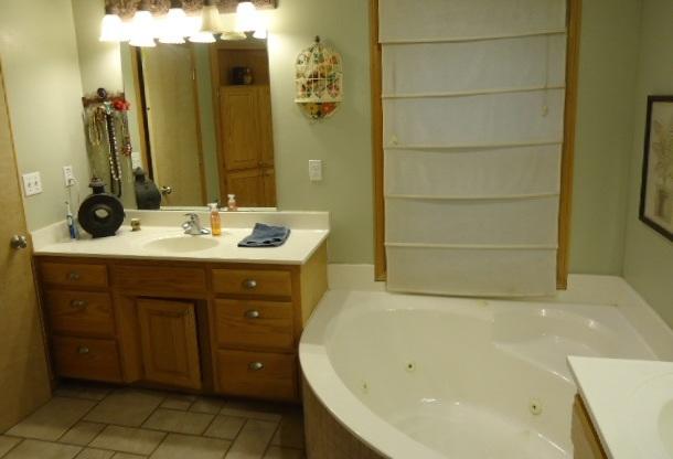 Sold Cross Sale W/ MLS | 1201 Willow Springs Road Ponca City, OK 74604-1067 16