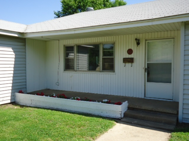 Sold Intraoffice W/MLS | 1021 N Elm Ponca City, OK 74601 1