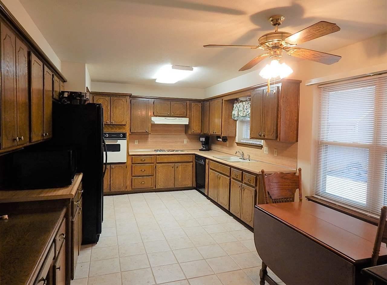 Sold Cross Sale W/ MLS | 2113 Berkshire  Ponca City, OK 74604 4