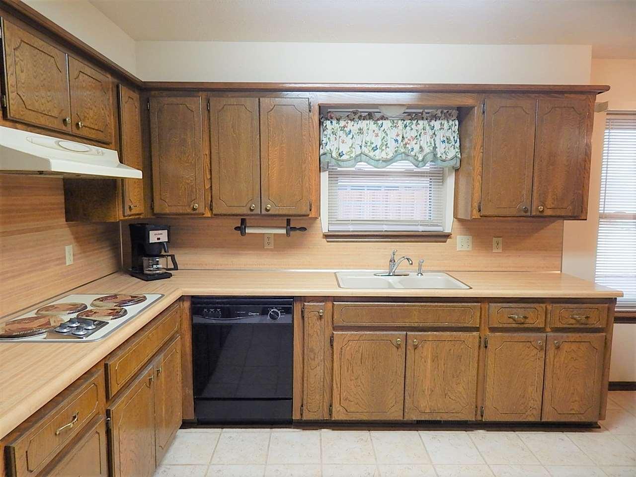 Sold Cross Sale W/ MLS | 2113 Berkshire  Ponca City, OK 74604 6
