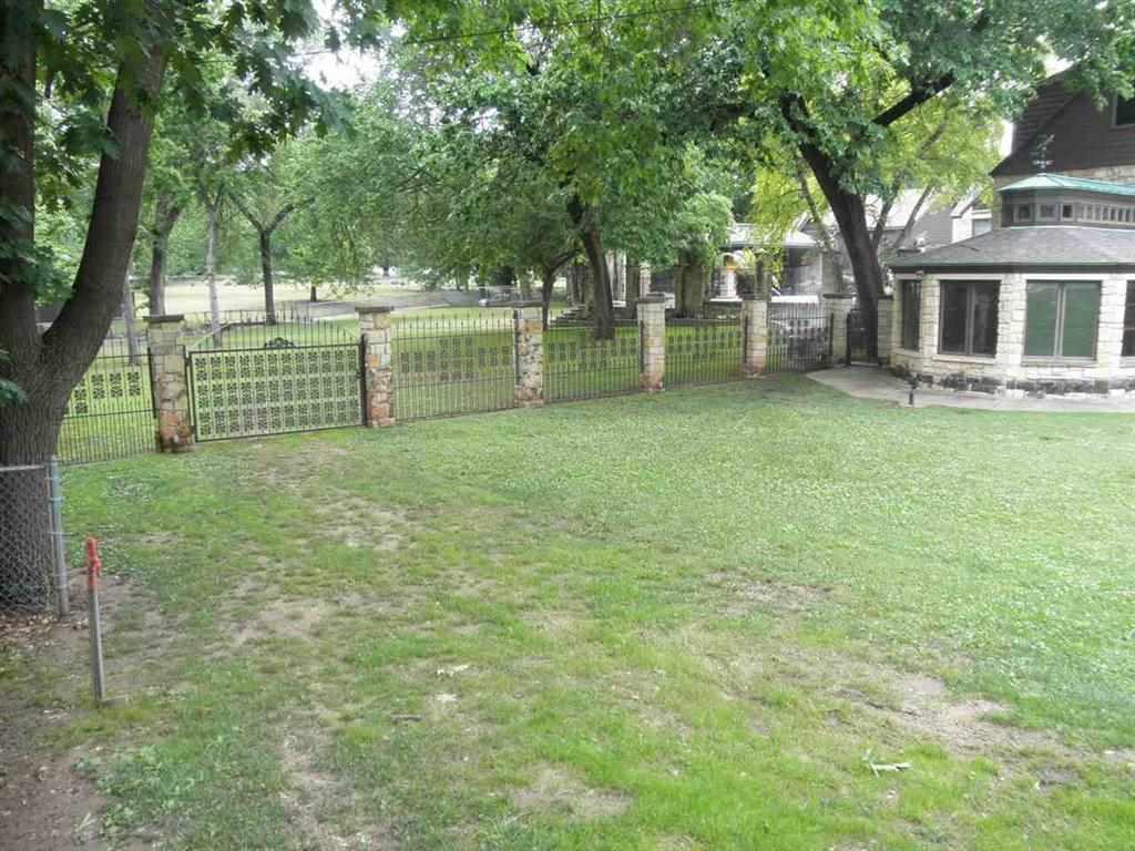 Sold Cross Sale W/ MLS | 88 Elmwood  Ponca City, OK 74601 3