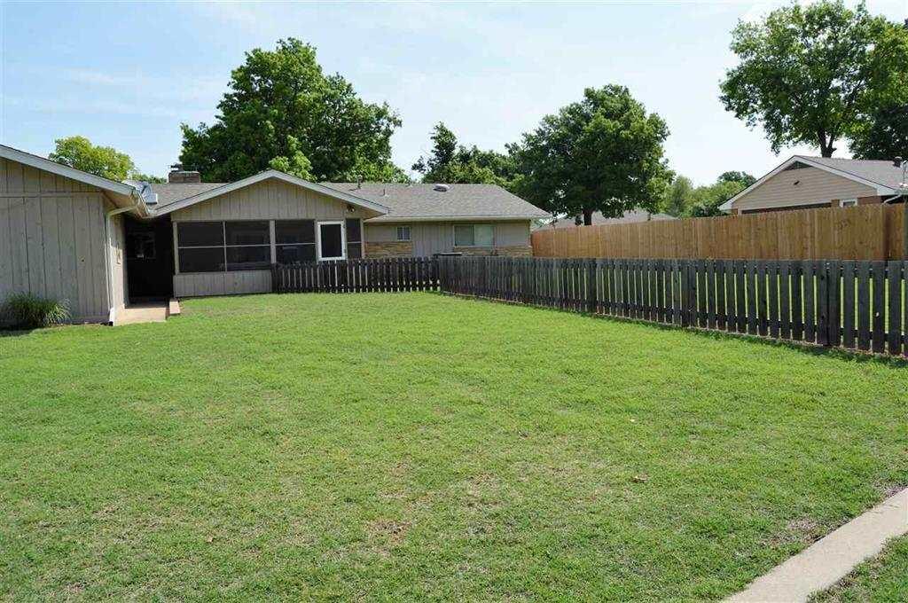 Sold Intraoffice W/MLS | 2404 Mockingbird Ponca City, OK 74604 2