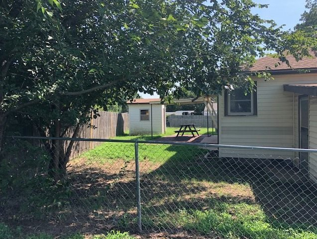 #century21groupone, #homesforsaleponcacity, #poncacityrealestate | 1629 Donahoe Ponca City, OK 74601 17