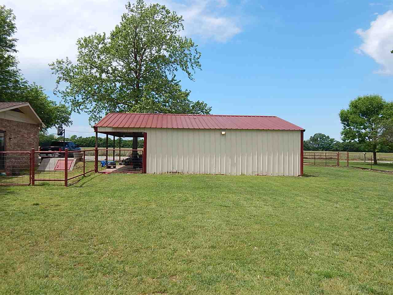 Sold Cross Sale W/ MLS | 290 N Indian Hills Rd. Ponca City, OK 74604 2