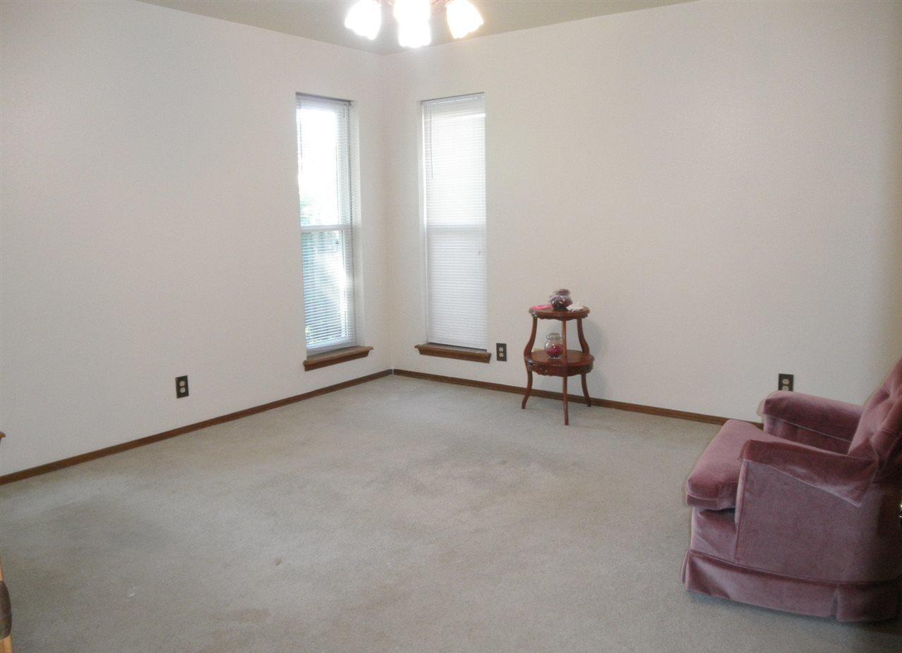#century21groupone,#homesforsaleponcacity, #poncacityrealestate | 620 Shannon  Ponca City, OK 74601 12