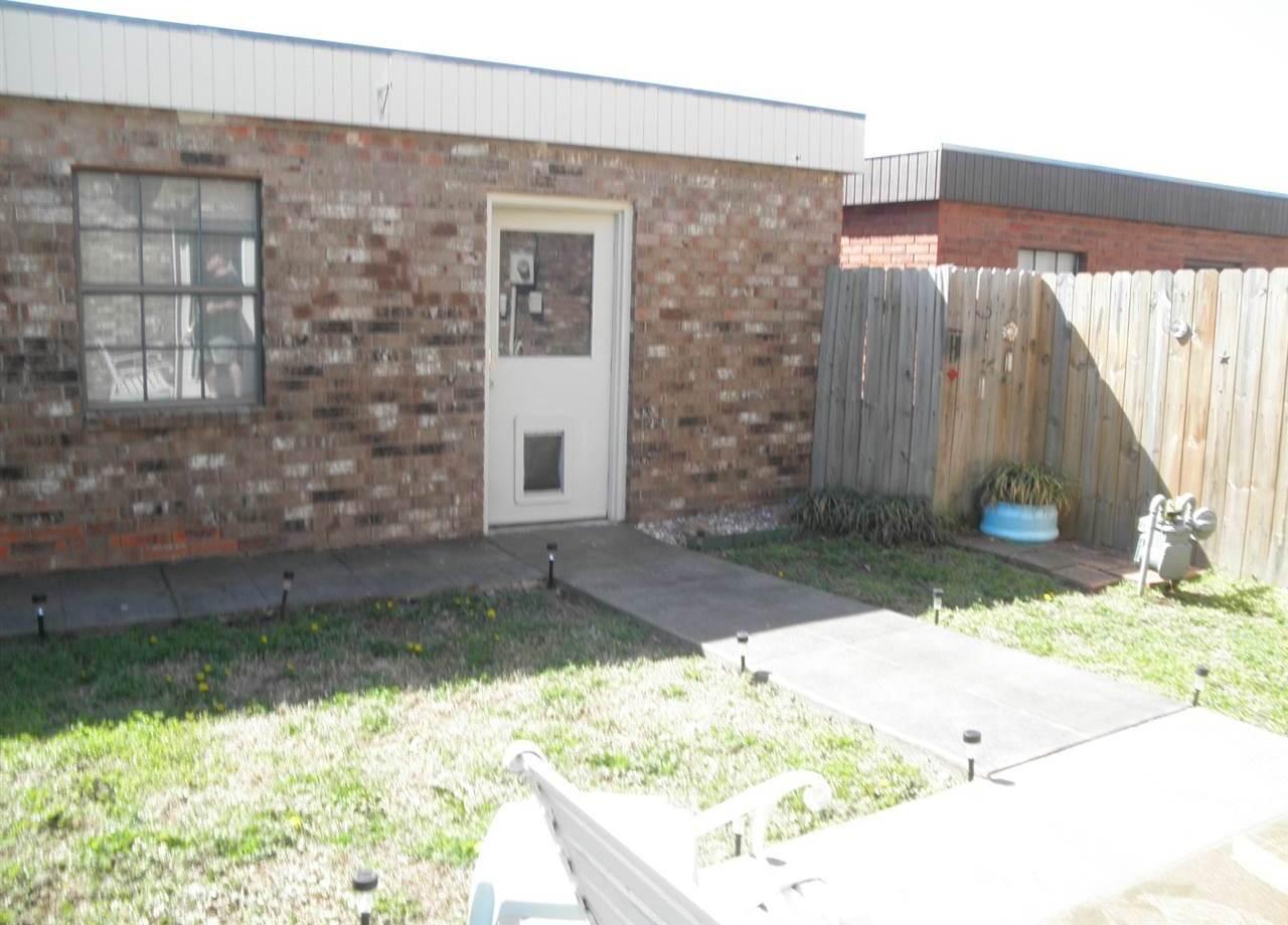 #century21groupone,#homesforsaleponcacity,#poncacityrealestate | 3712-D Bellflower  Ponca City, OK 74604 23