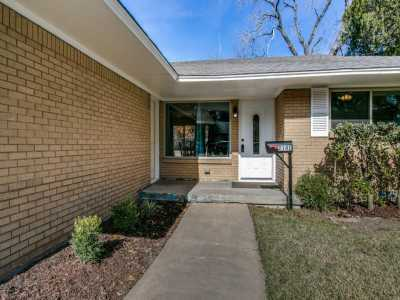 Sold Property | 2141 Siesta Drive Dallas, Texas 75224 3