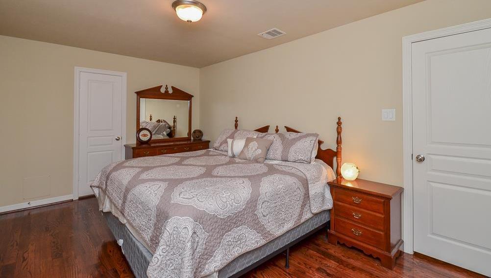 Off Market   231 W 26th St  Houston, Texas 77008 20