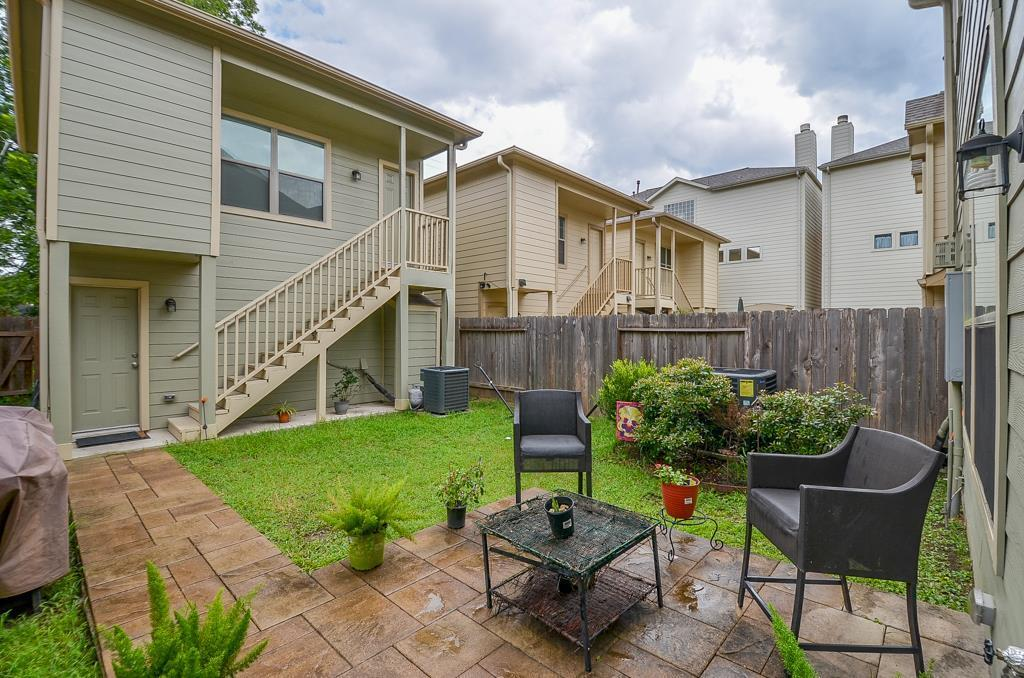 Off Market   231 W 26th St  Houston, Texas 77008 23
