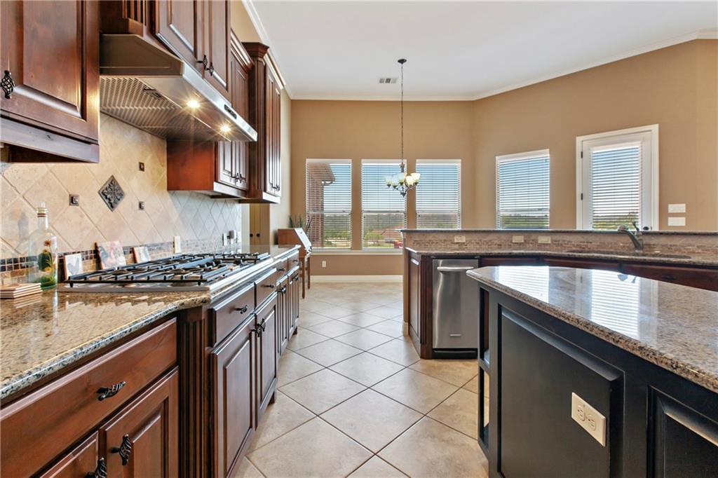 Pending | 200 Lake Side Drive Georgetown, TX 78628 17