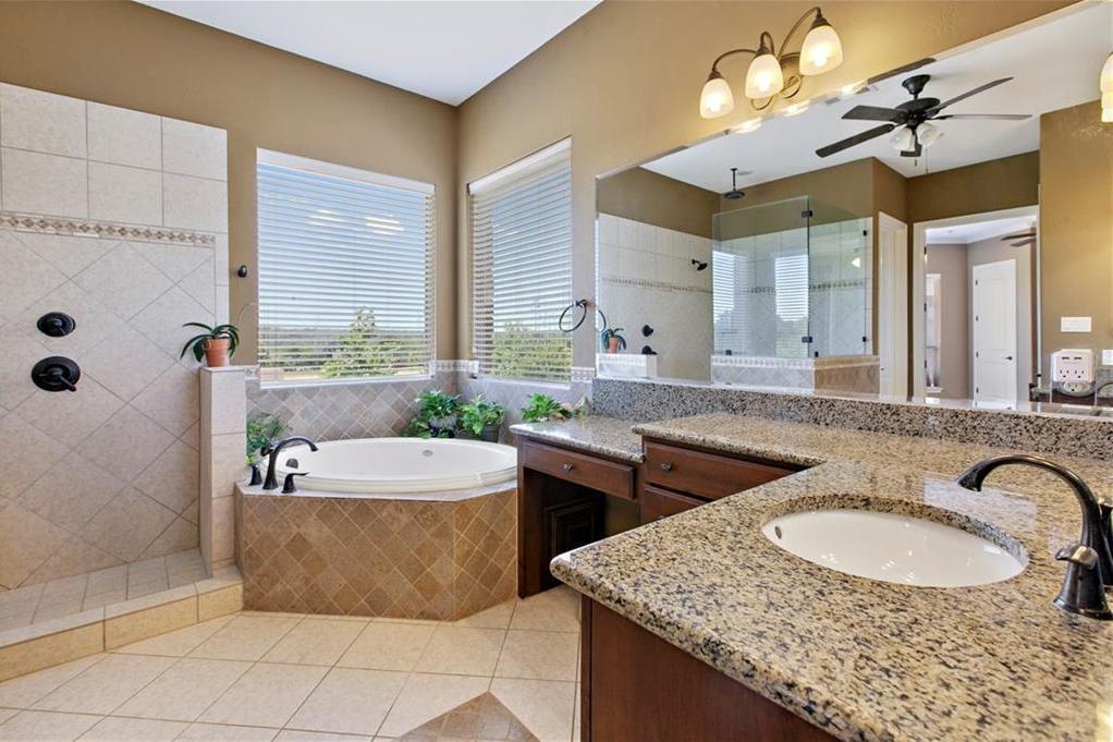 Pending | 200 Lake Side Drive Georgetown, TX 78628 24