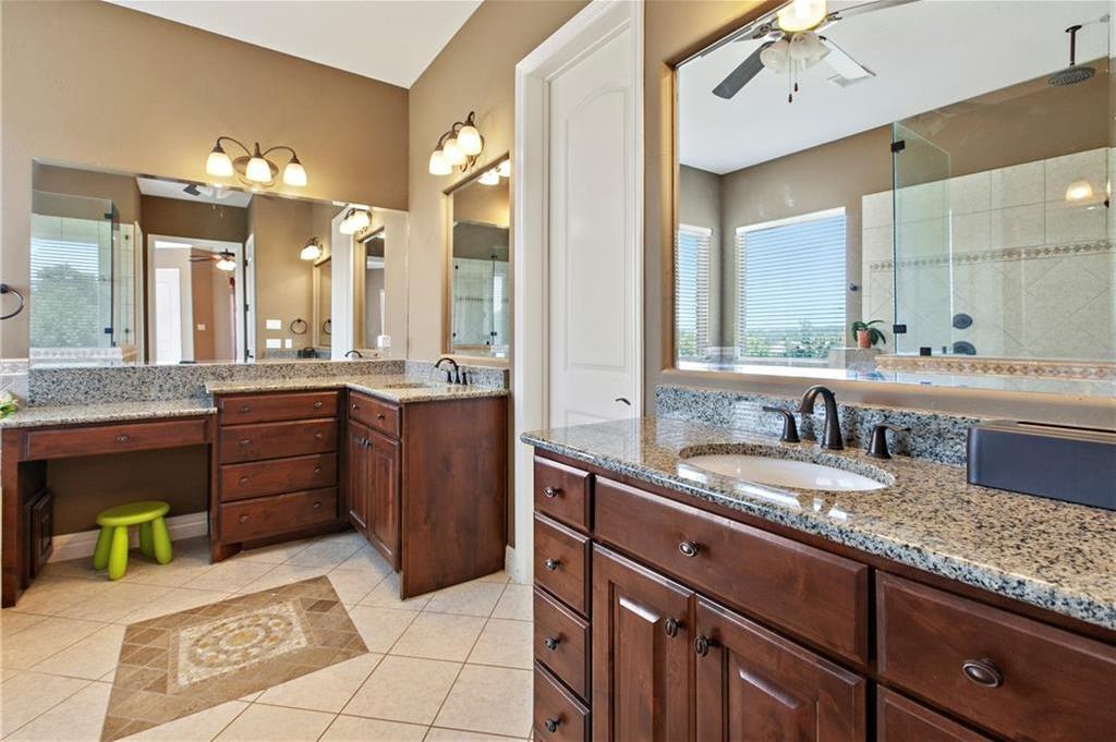 Pending | 200 Lake Side Drive Georgetown, TX 78628 26