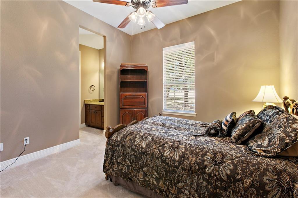Pending | 200 Lake Side Drive Georgetown, TX 78628 31