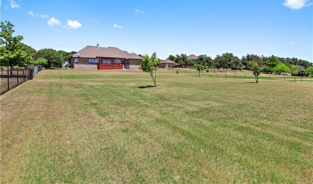 Pending | 200 Lake Side Drive Georgetown, TX 78628 36