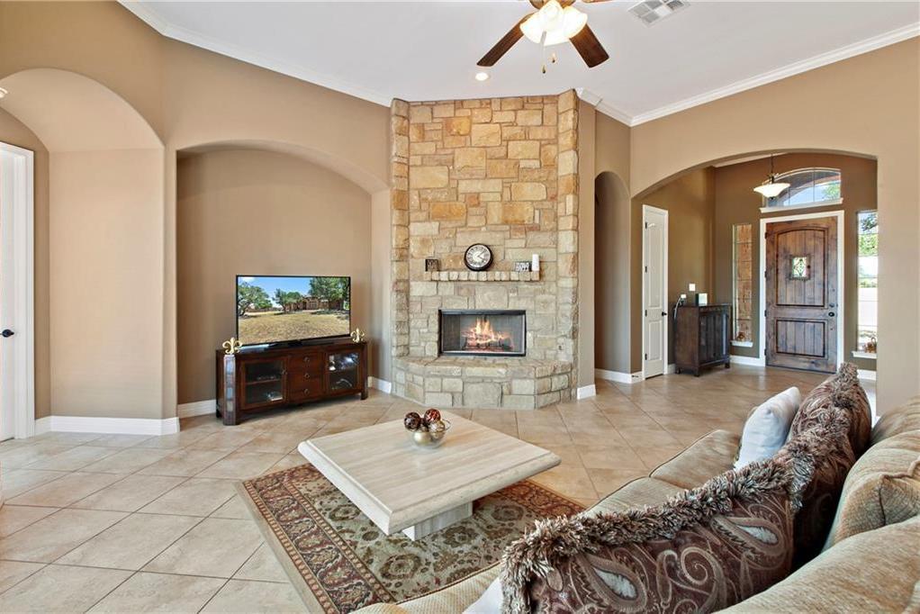 Pending | 200 Lake Side Drive Georgetown, TX 78628 8
