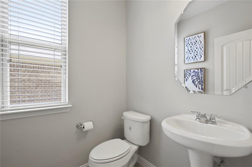 Sold Property   2820 Castle Creek Drive Little Elm, TX 75068 5